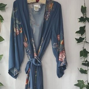 Plum Pretty Sugar floral rayon dressing robe sz S